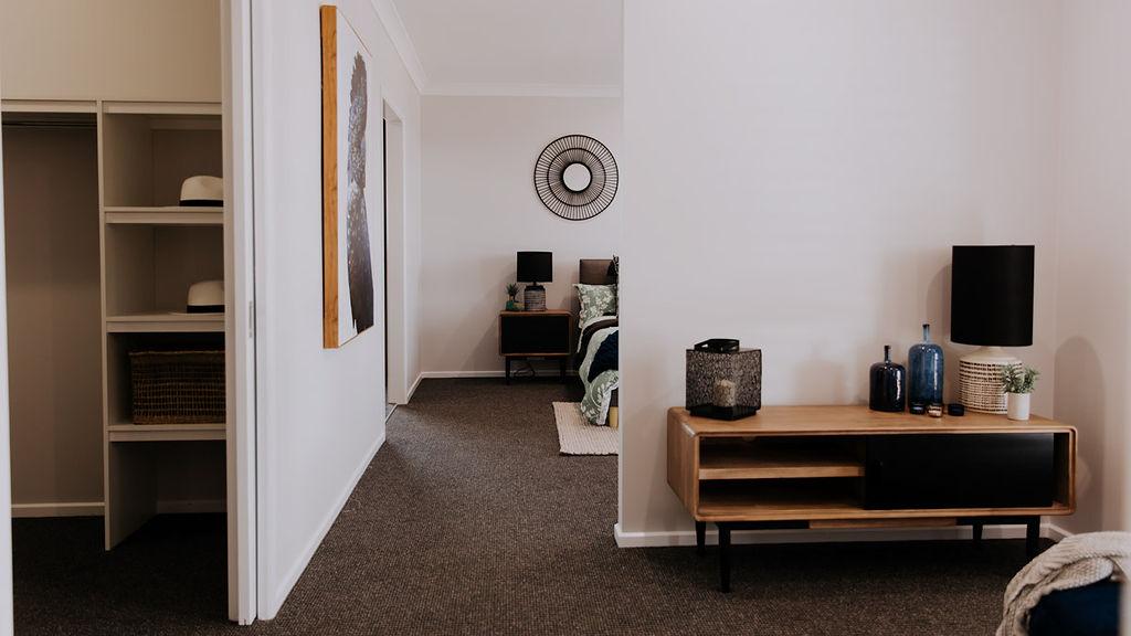 005 Alatalo Bros - home design - parents retreat - master bed - home design - robe - interior design - custom homes - builders - wagga wagga - albury - wodonga - home builders - new homes