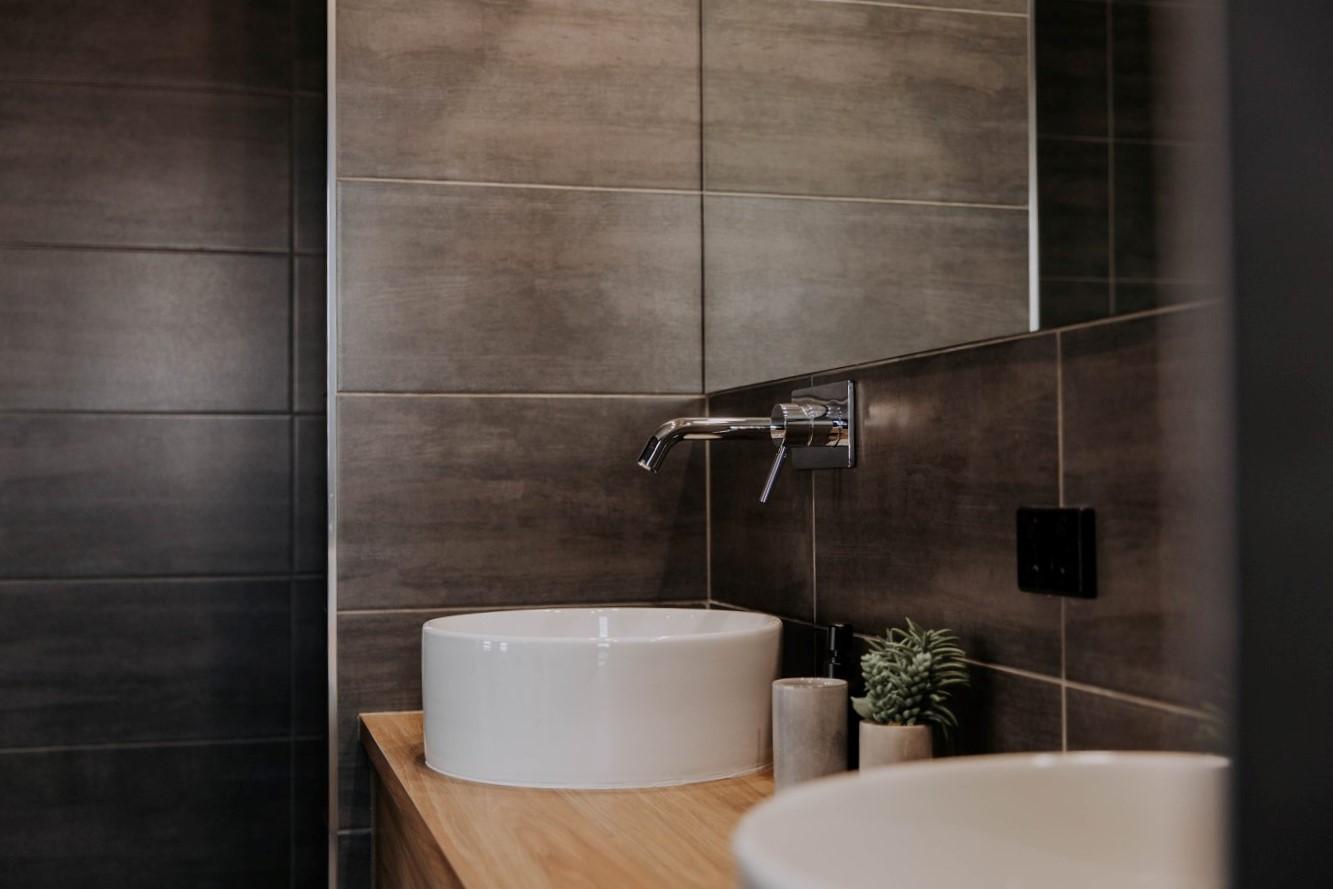 009 Alatalo Bros - custom design - home builders - cabinet design - vanity - bathroom - basin - interior design - ensuite bathroom - new homes - wagga wagga - albury - builders - cabinet design