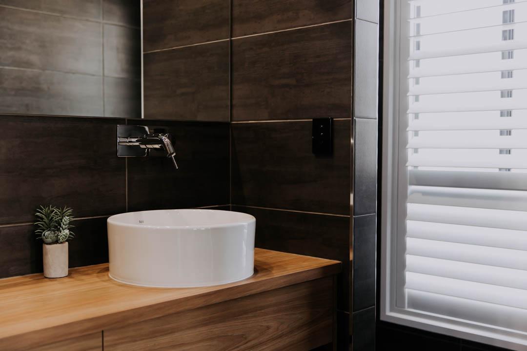 010 Alatalo Bros - ensuite design - cabinets - bathroom - vanity - basins - mirror - mixers - window shutters - home design - interior design - builders - wagga wagga homes