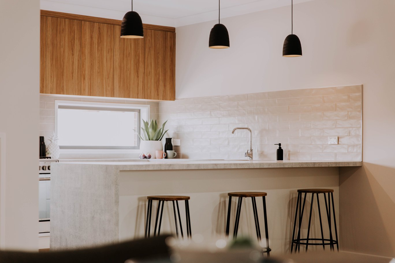 015 Alatalo Bros - kitchen design - kitchen cabinets - local builder - flair cabinets kitchens - interior design - colour consulting - builders - home design - modern homes - modern kitchen - kitchen cabinets - kitchen lights - kitchen island - kitchen designer