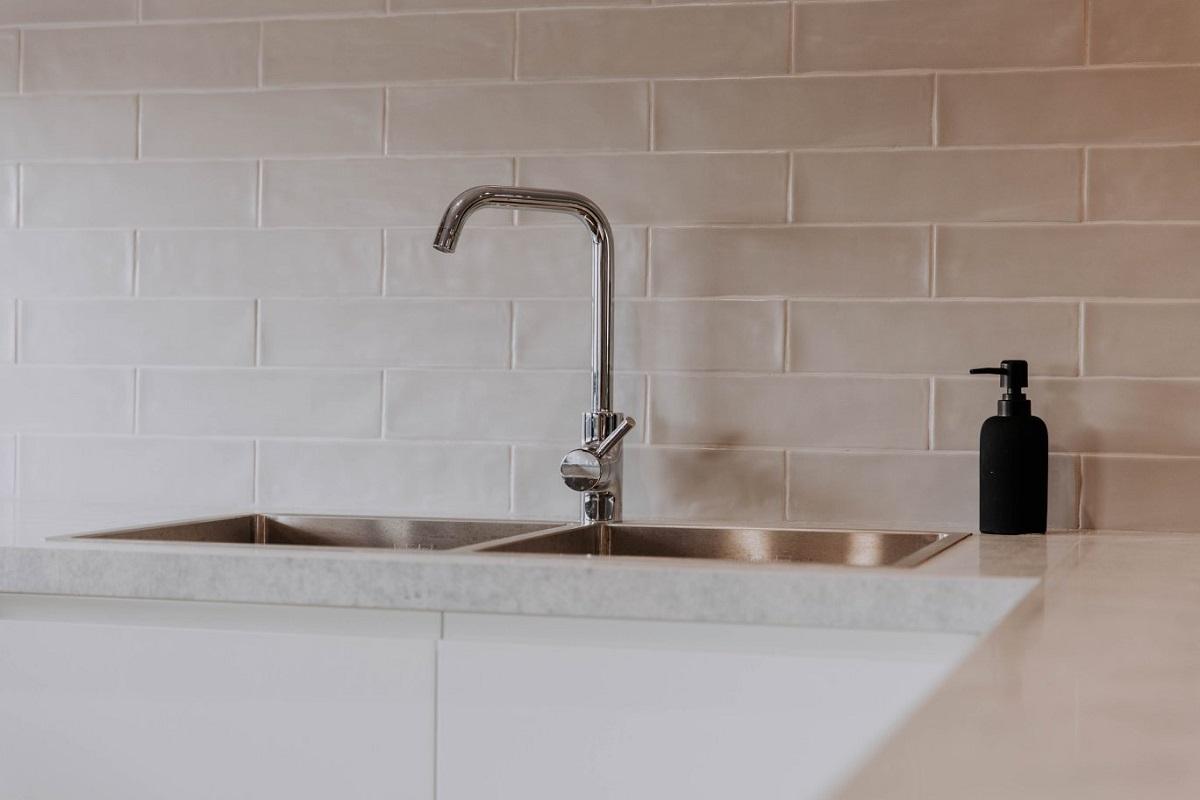 016 Alatalo Bros - kitchen detail - sink - mixer - tile detail - interior design - kitchen sink - kitchen design - subway tile - splash back - interior design - new home - builders