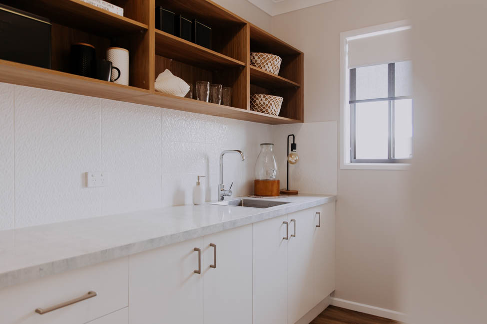 018 Alatalo Bros - kitchen - pantry - open plan - butlers pantry - kitchen design - interior design - custom design - cabinets - new home - builder - wagga wagga - albury - wodonga - kitchen pantry design - kitchen storage