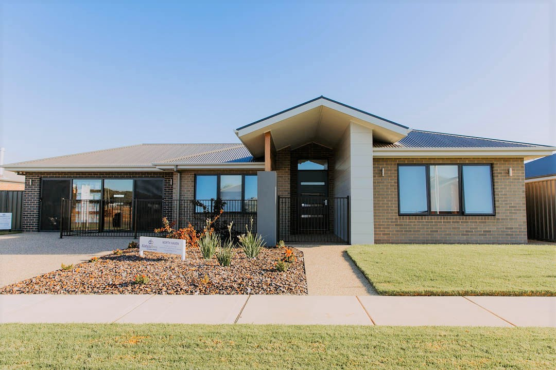 039 Alatalo Bros - north haven - display homes - albury - builders - new homes- custom homes - home designs - family homes - thurgoona - home design service - drafting - exterior - facade