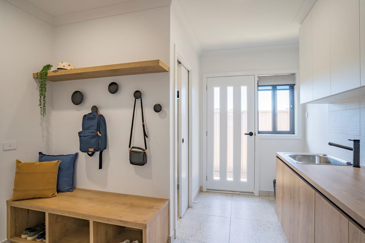 alatalo bros-display home-mudroom-the rosella-laundry-home design-wodonga builder-albury