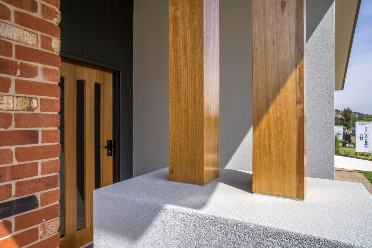 avalon park- the rosella-alatalo bros- entry-facade-display home- timber detail