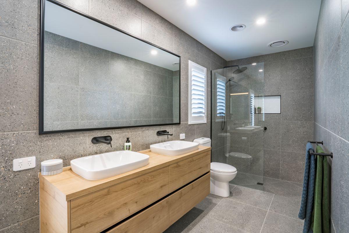 ensuite bathroom-alatalo bros- builders- home builder- display home-avalon park-bathroom design