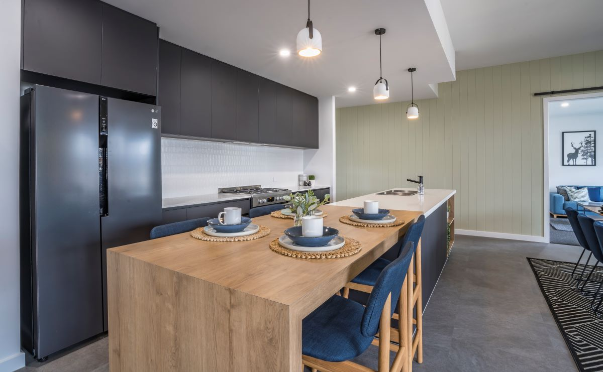 kitchen island-timber bench-black kitchen-alatalo bros-display home-avalon park-home design- kitchen designer-alatalo interiors