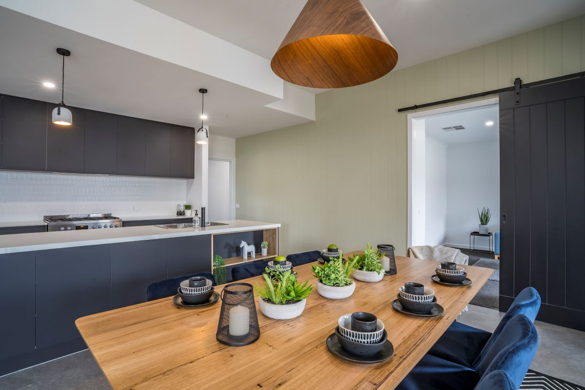 the rosella-dining room-alatalo bros-display home- avalon park-table- kitchen